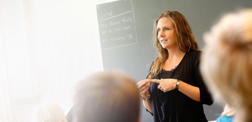 Disfrute de los cursos de inglés en Cobisa impartidos por la Academia Dublín. Nuestros profesores nativos y el exclusivo método de enseñanza que utilizan, garantizan una tasa de aprobados superior al 90%.